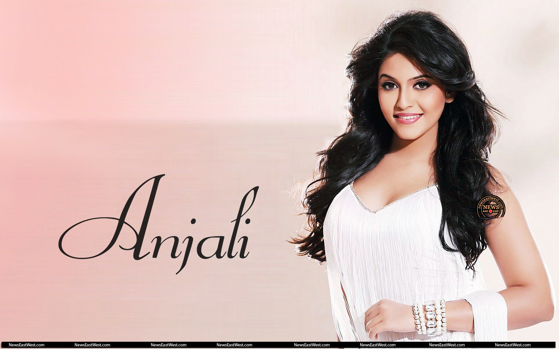 South Indian Actress And Model Anjali Pictures And Wallpapers