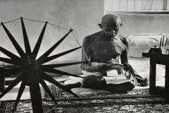 mahatma-gandhi-cleanliness
