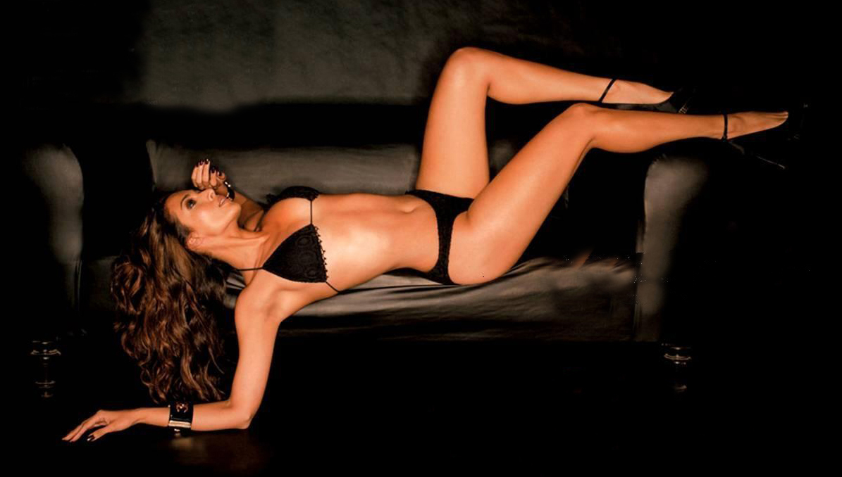 Malaika arora is issuing red hot alert with her swimwear pic