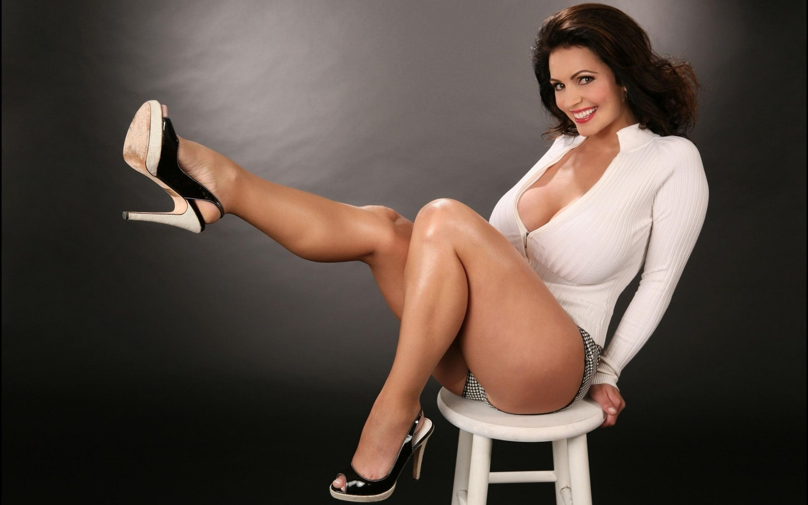 American Model Denise Milani Hot Pictures And Wallpapers