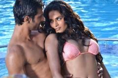 veena-malik-with-her-boyfriend-ashmit-patel-when-the-two-appeared-in-bigg-boss-season-4