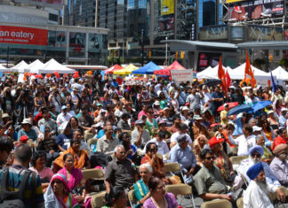 Indo-Canadians celebrating India's Independence day