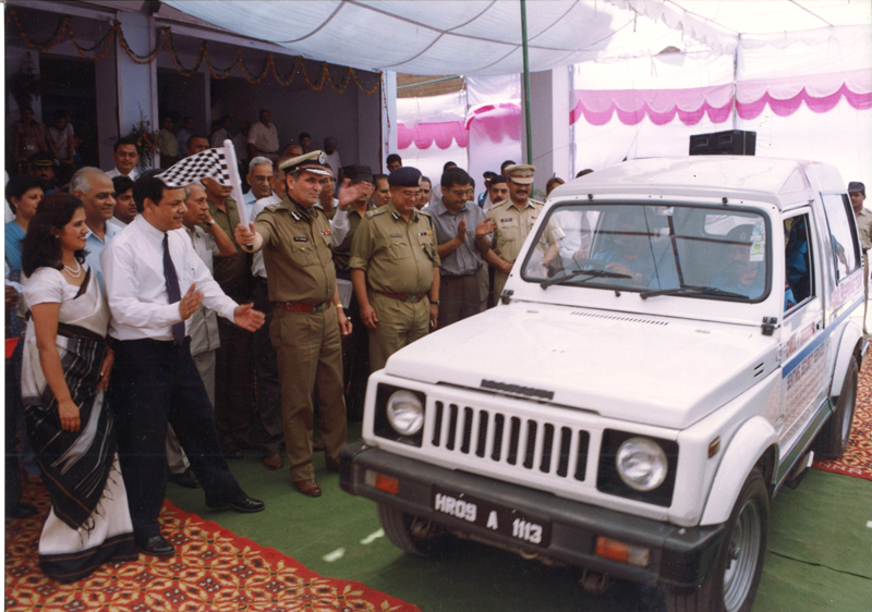 Kuldeep Sharma at the launch of Rapid Response Team of his company by Haryana Director-General of Police in 2002.