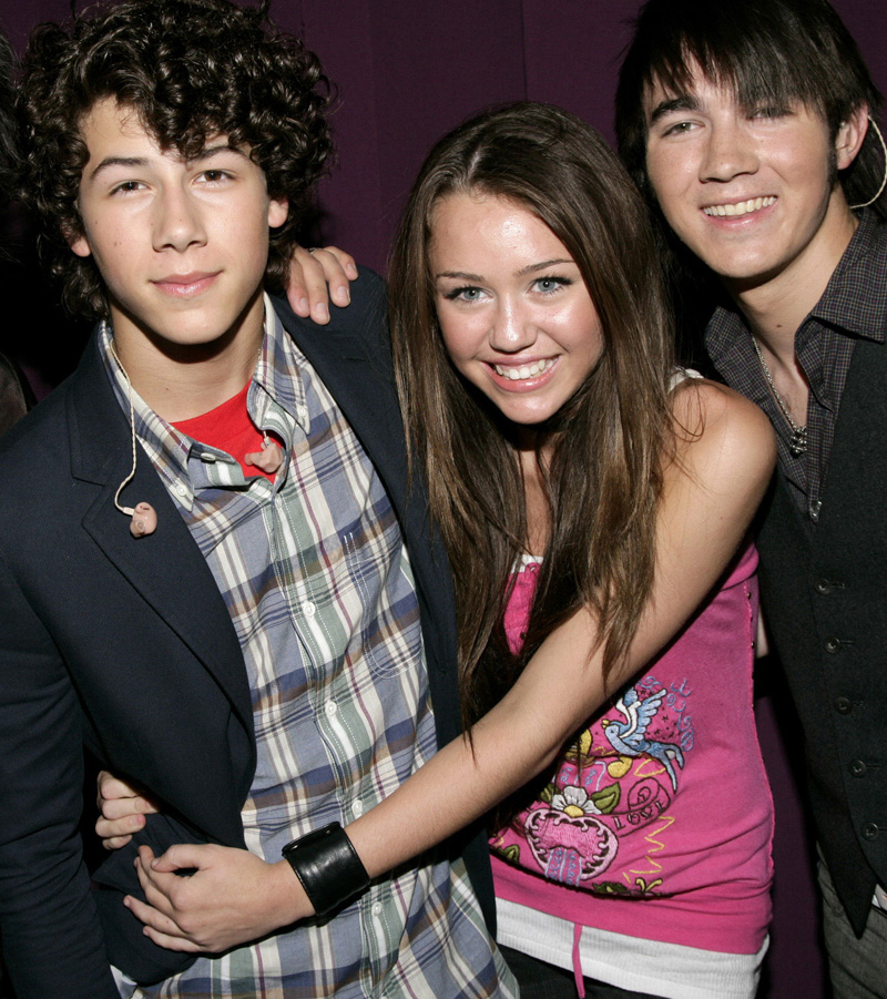 Miley Cyrus and Nick Jonas1