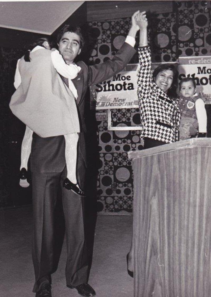 Moe Sihota with wife.