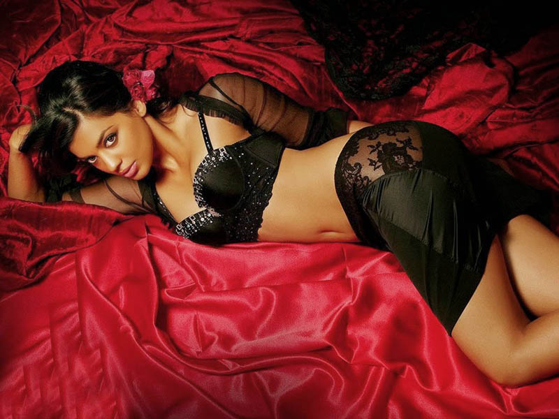 Mugdha-Godse hot look