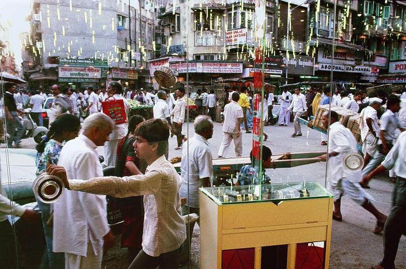 Zaveri Bazaar and Jeweller's Showroom, Bombay, Maharashtra, 1989