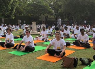 Shannon Skinner doing yoga in New Delhi