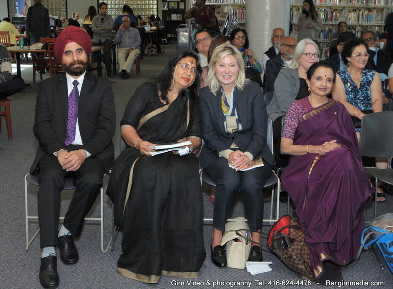 Meena Chopra with Mississauga mayor Bonnie Crombie, Indian vice consul general D.p. Singh (left) and classical dancer Lata Pada.