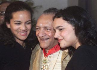 Pandit Ravi Shankar with daughters.